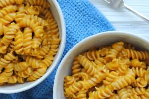 bowls of pumpkin mac and cheese