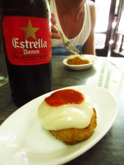 The best bombas in town! - nd people - Time for the best restaurant in Barcelona! - La Cova Fumada