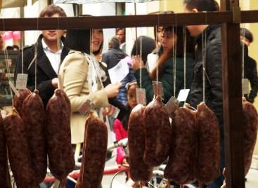 Market in Chinatown - Milan