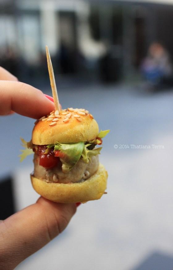 Mini hamburger - S.Pellegrino feat. Enrico Cerea (Fuorisalone, Milano 2014)