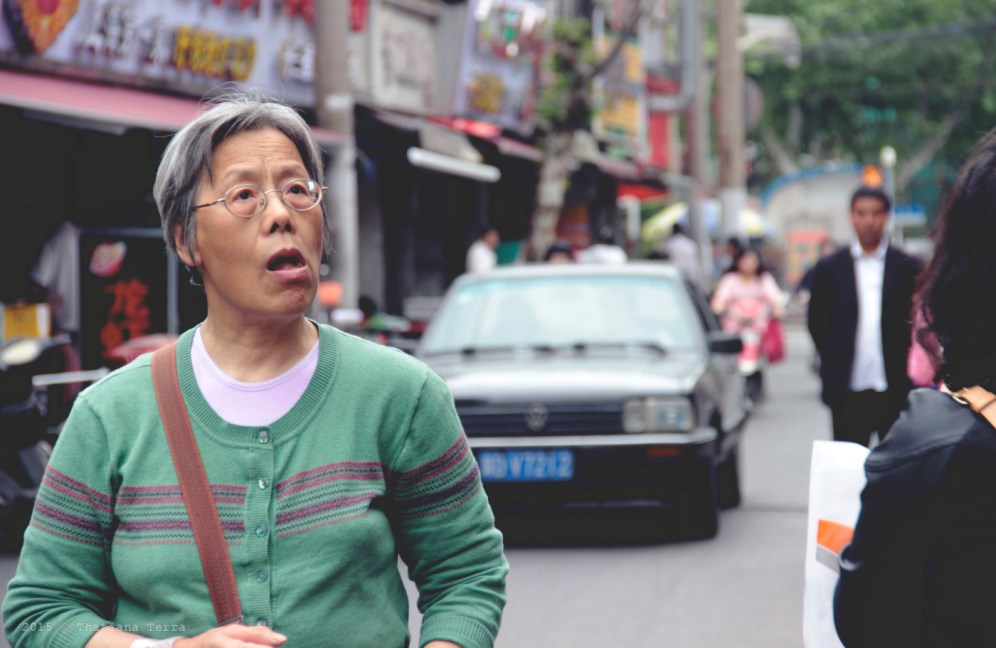 China: People watching at the Old Town, Shanghai (5)