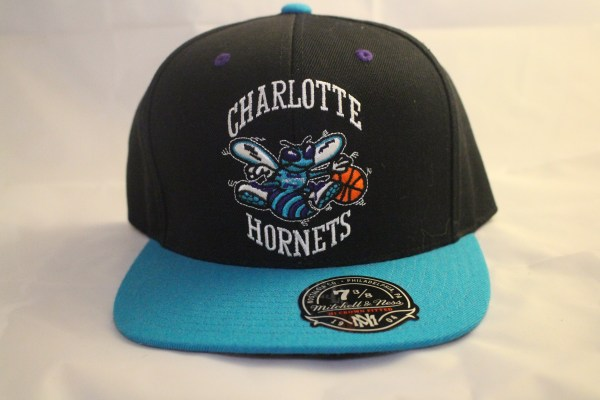 Mitchell and Ness Charlotte Hornets HWC Fitted Cap