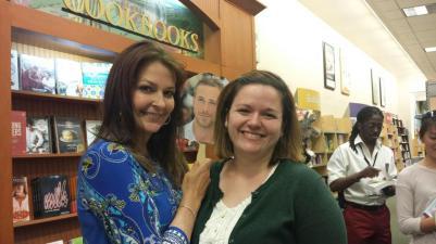 Meeting the fantastic author Sarah Pekkanen!