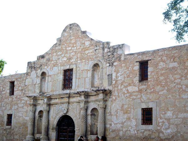 San Antonio Texas Travel Guide from NeverEndingJourneys.com