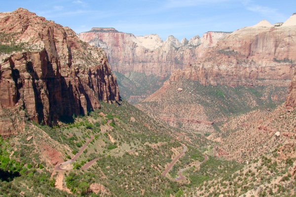 Zion National Park Hikes and Viewpoints by NeverEndingJourneys.com