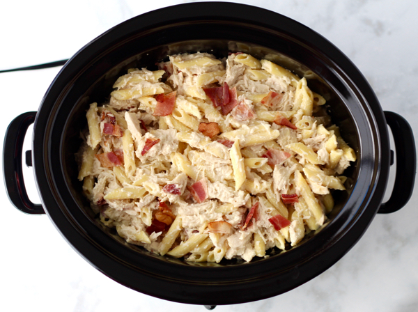 Crockpot Bacon Alfredo Chicken Pasta Recipe