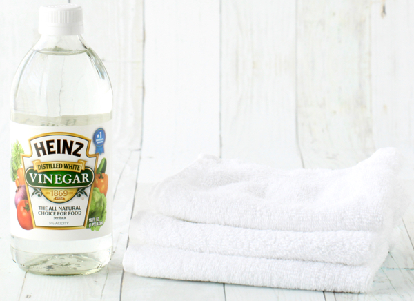 How to Treat Sunburn Fast With Vinegar and a Washcloth