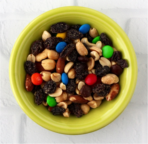 Sneaky Ways to Get Your Kids to Eat More Veggies and Fruits With Trail Mix
