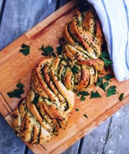 Garlic & Parsley Twist Bread