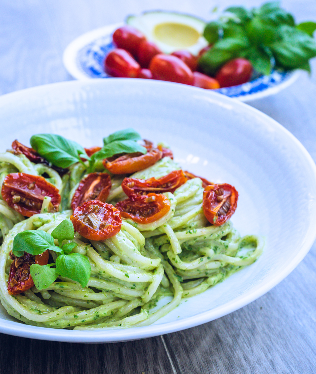 Roasted Tomato & Avocado Spaghetti