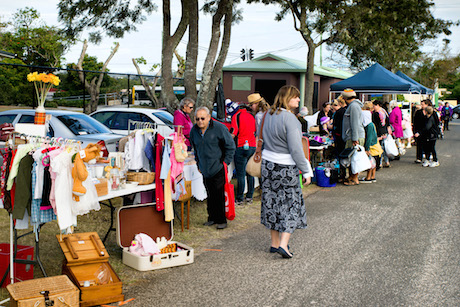 Silky Oaks Carboot sale