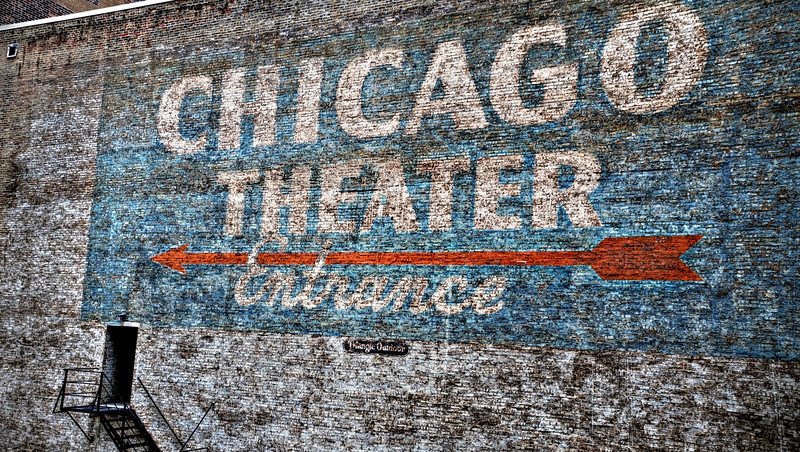 Chicago Theater: Side sign
