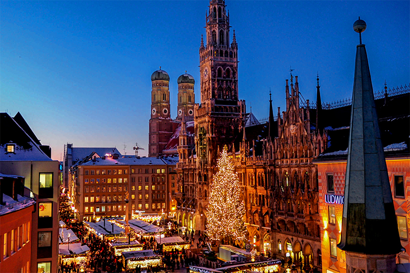 Christkindlmarkt at night