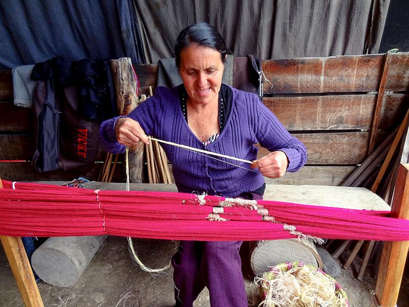 weaver in Gualaceo, Ecuador