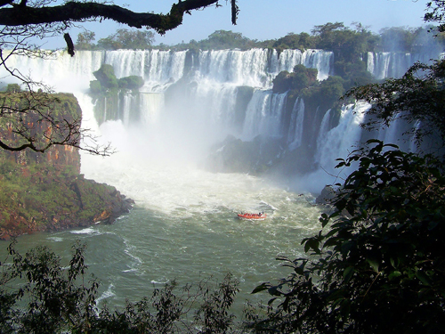 Iguassu Falls / photo: Bill Warelis