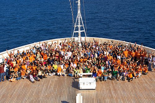the entire family on a family reunion cruise