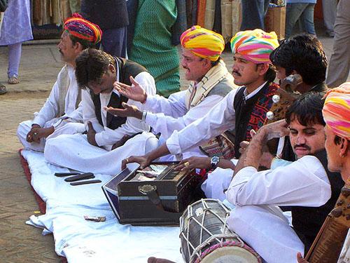 dilli haat musicians seen during New Delhi travel