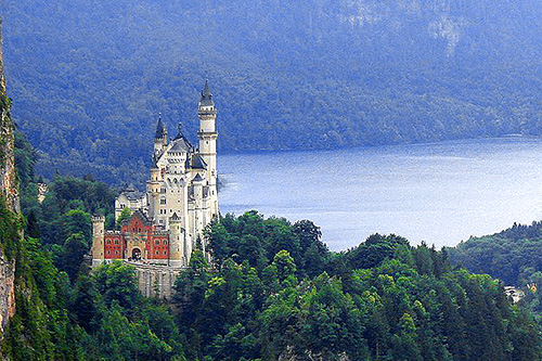 Neuschwanstein Castle one of the places to visit in Germany / photo:Marcio-Cabral-de-Moura