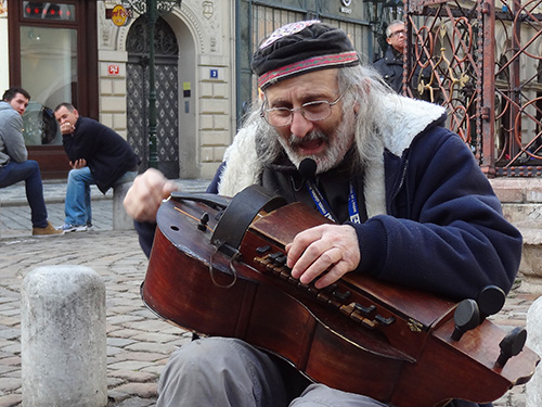 Street musician in the old Jewish Ghetto in Prague