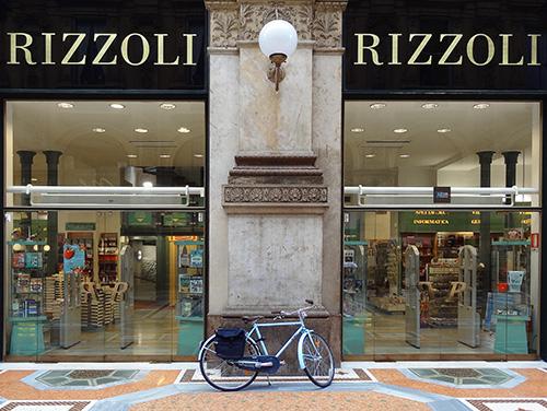 Rizzoli bookstore in Vittorio Emanuele II Galleria