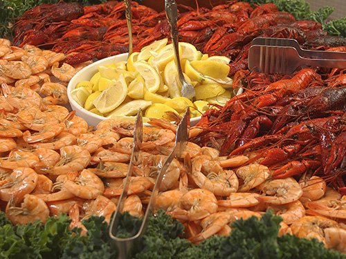 Buffet at Court of Two Sisters in New Orleans / photo: Court of Two Sisters