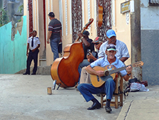 Street musicians near Calle Aguilera in Cuba