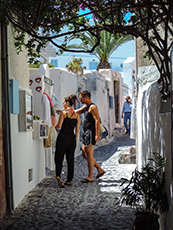 shopping in Oia, what to do in Santorini