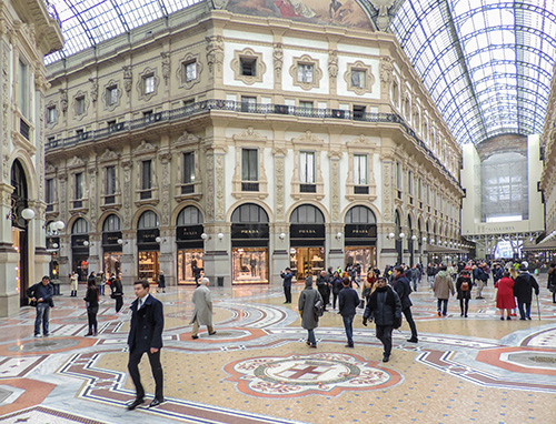 Galleria Vittorio Emanuele II seen during two days in Milan