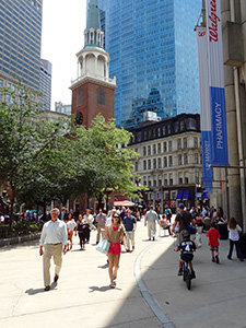 people walking along the Boston Freedom Trail