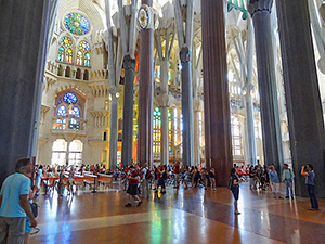people in a cathedral, seen during a tour of 48 hours in Barcelona