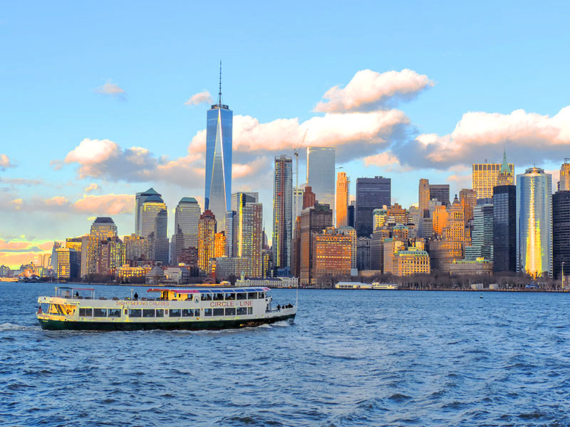 people on a tour boat, a great thing to do in new york in the winter