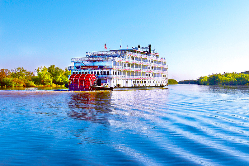A river boat Cruising the Mississippi River