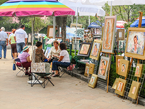 outdoor art market, one of the places in Mexico City to visit