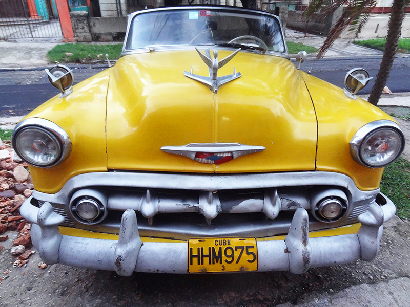 an old American car in Havana, one of the things to see in Havana