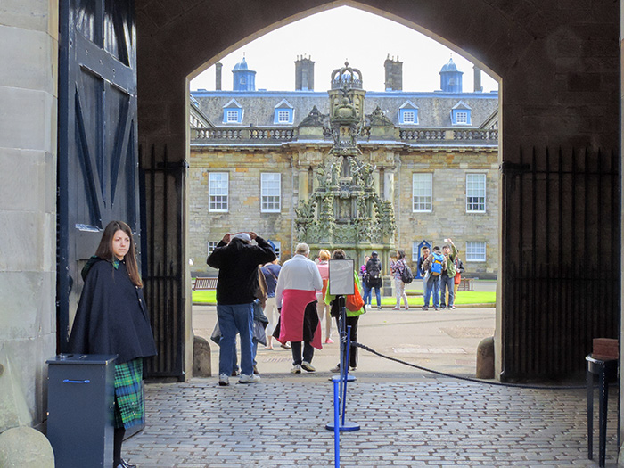 people entering a palace in Edinburgh, Scotland