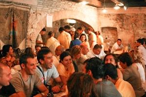 a crowded restaurant