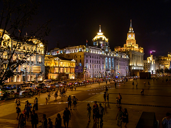 people walking down the Bund, one of the best things to do in Shanghai
