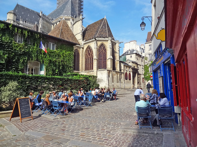 people at outdoor cafes seen during 2 days in Paris