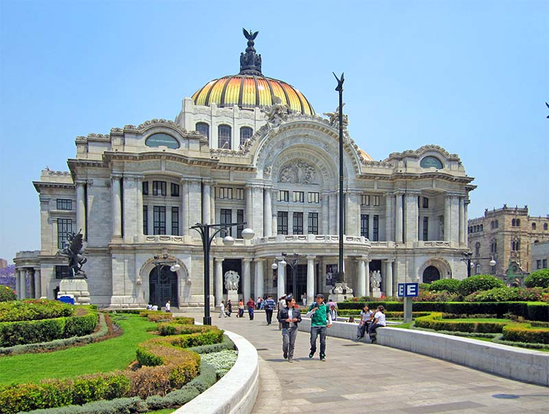 people visiting the Bellas Artes building in Alameda Park,one of the best things to do in Mexico City