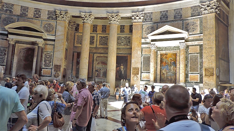 People in the Pantheon, one of the places to visit in Rome