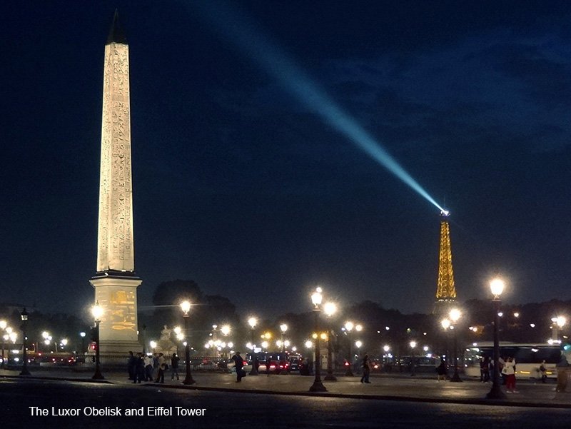 monument at night in photos of Paris