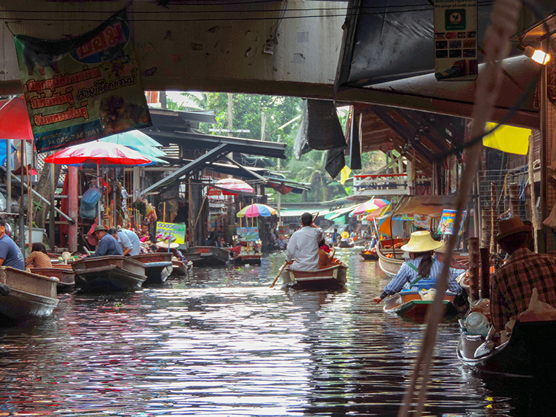 The Damnoen Floating Market, one of the things to do in Bangkok