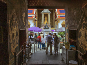 people at teh Grand Palace, one of the things to do in Bangkok