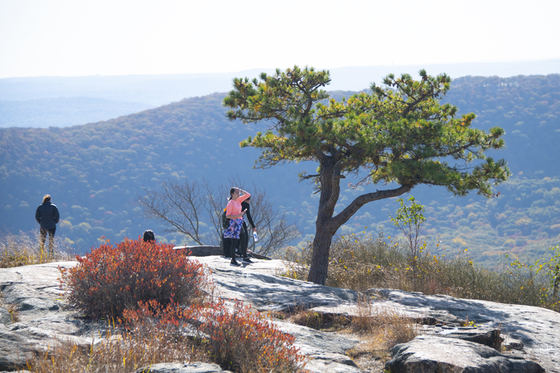 people on a mountain top in the Hudson Valley