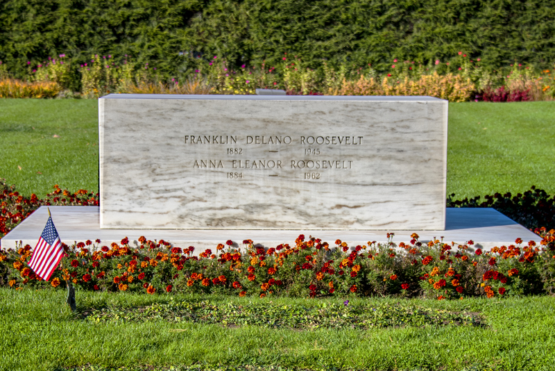 The FDR grave in the Hudson Valley