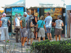 people at a street art fair on Florida  Gulf Coast road trip