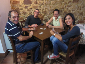 people playing cards in Accettura