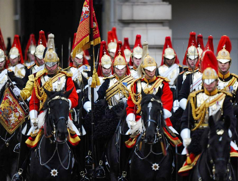 Horse guards with red plumes - things to do in Europe