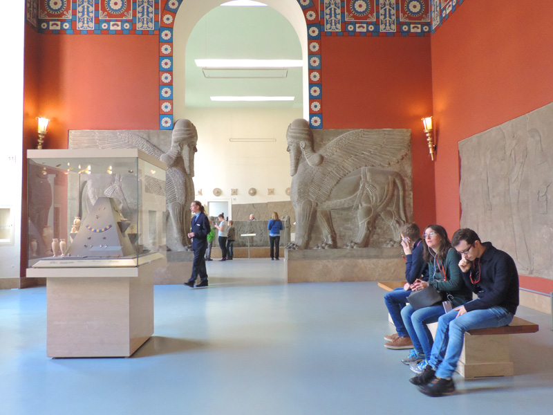 people in a museum, one of the things to do in Europe