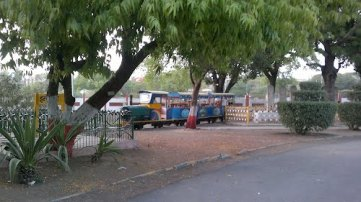 Toy Train At Nehru Park Indore I Image Resource :